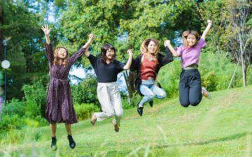 友達とジャンプ